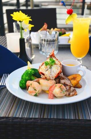 lobster-pot-cayman-restaurant-11