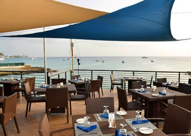 lobster-pot-cayman-restaurant-sunset-03