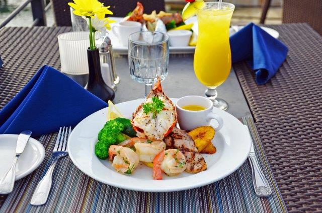 lobster-pot-cayman-restaurant-sunset-12